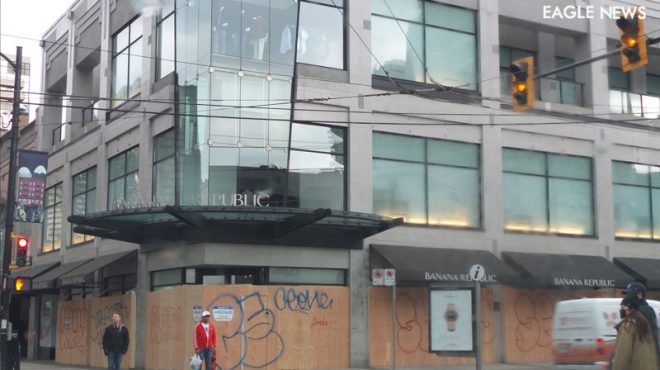 Downtown Vancouver businesses board up shops as property crime increases